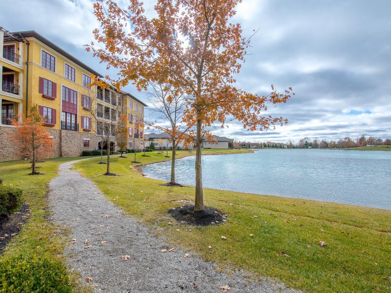 Terrazza Court Condo Lake View
